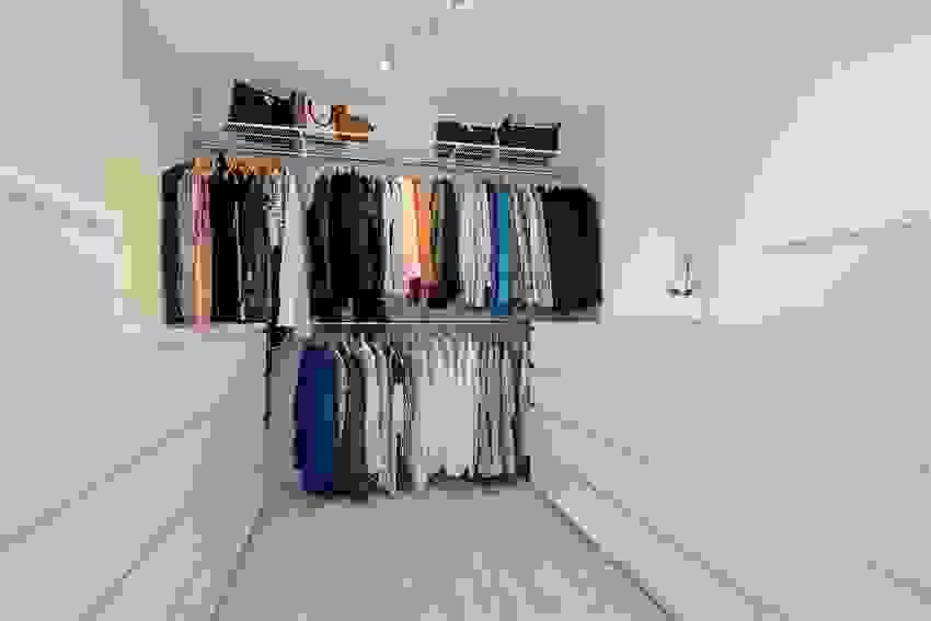 Praktisk walk-in med plass til mye klær