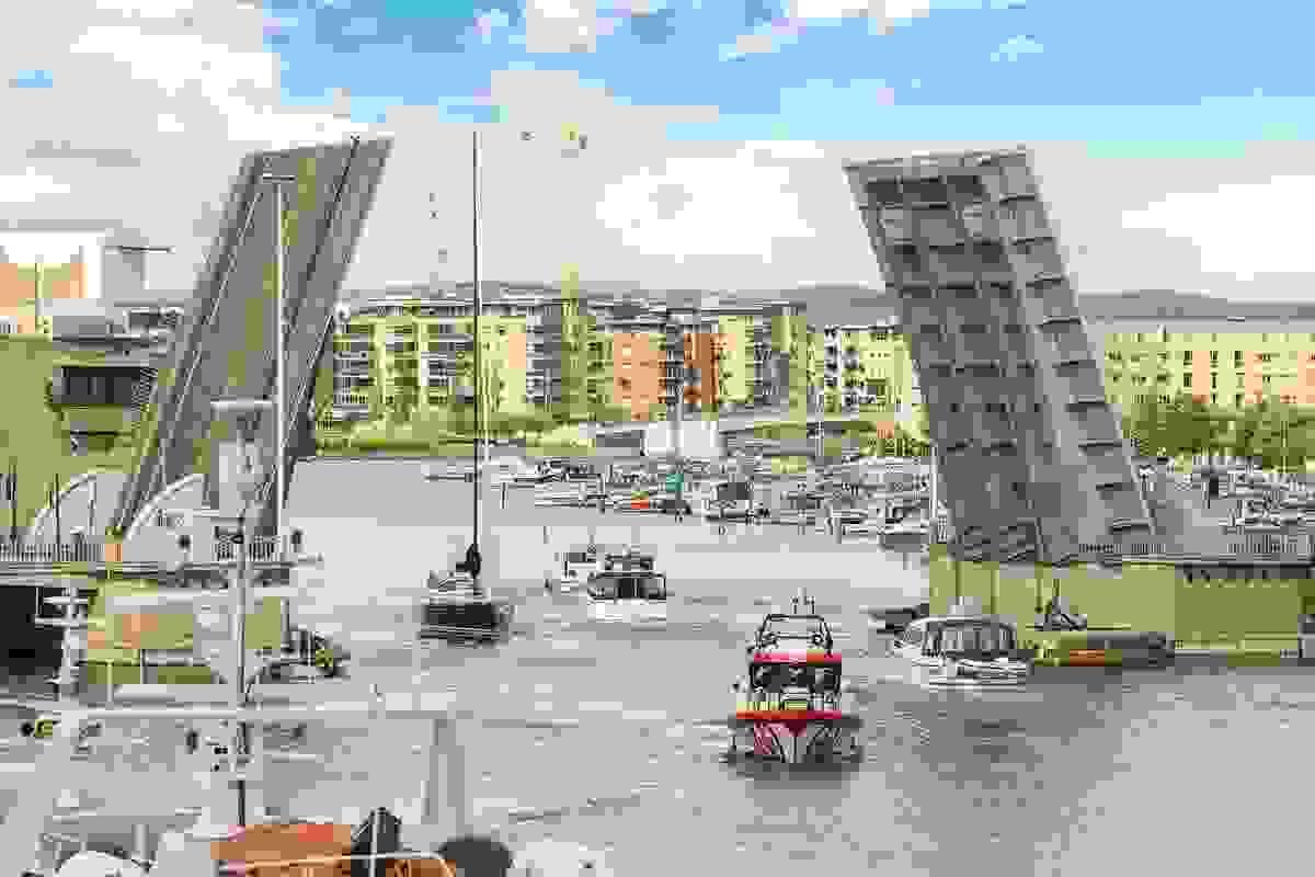 Utsikt mot byen og Kanalbroen