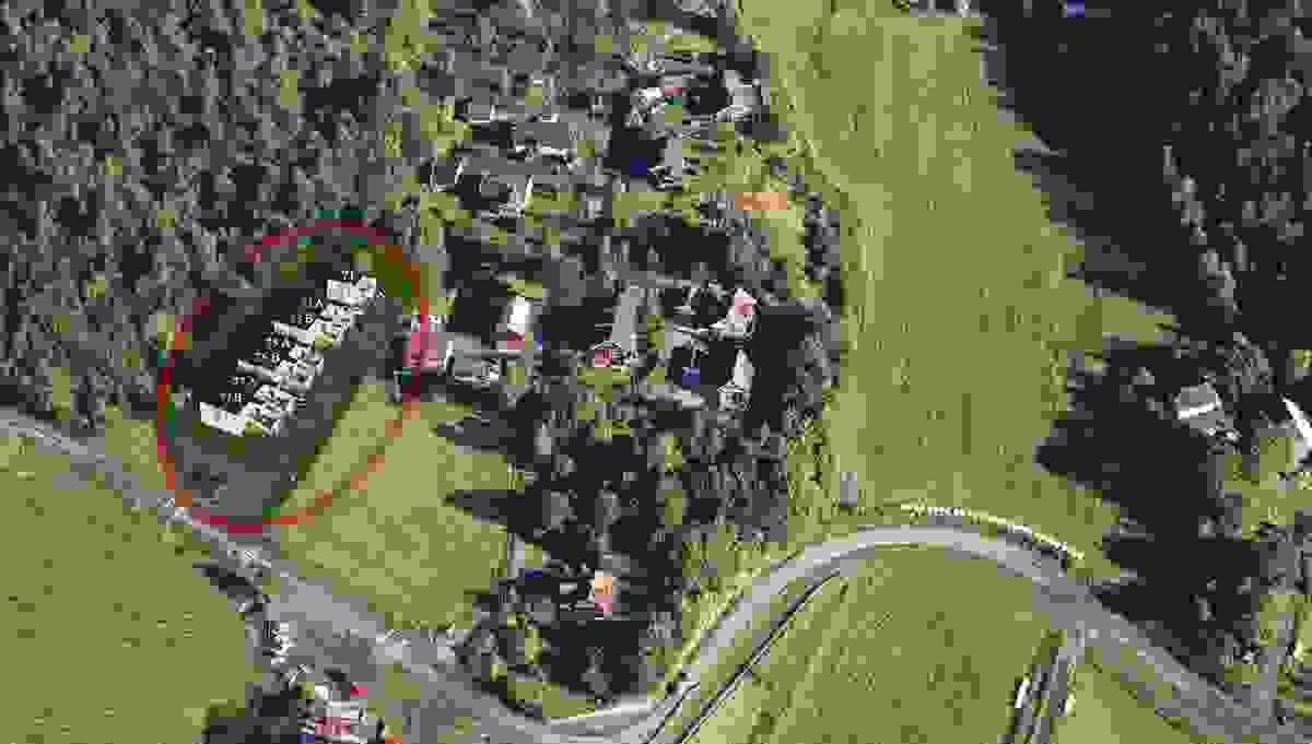 De 7 boligene sett i fugleperspektiv. Boligene er her markert med adresser.