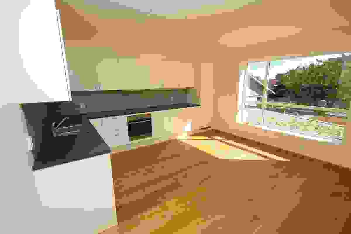 Kjøkken med avsatt sted til spiseplass