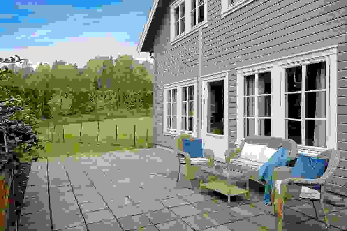 Deilig usjenert og solrik terrasse