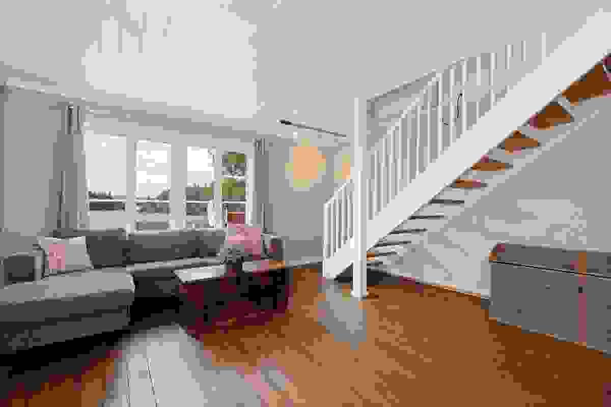 Stue med trapp opp til 2. etasje