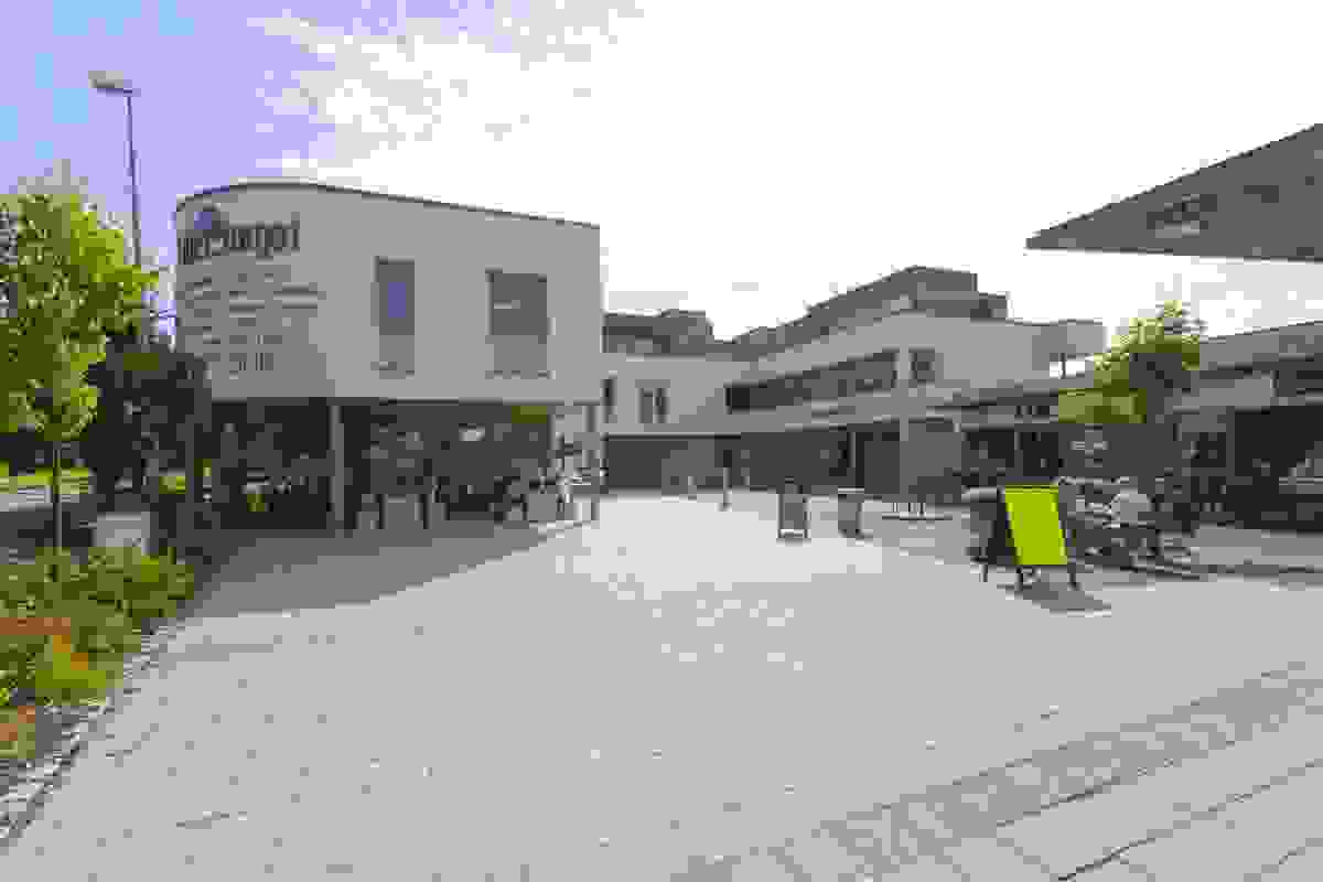 Nærormåde; Rikelig med forretninger i Stokke sentrum