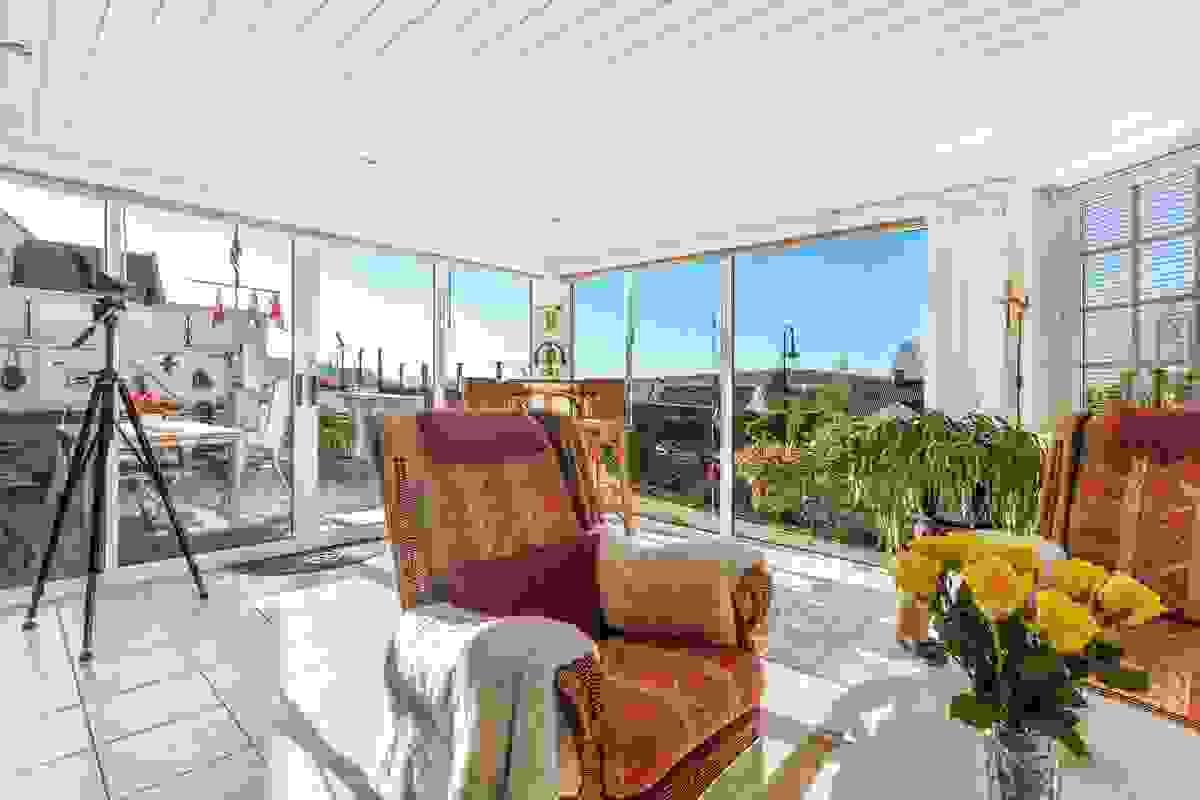 Hagestuen - et herlig arrangement med nydelig utsikt og flott kontakt med den vakre hagen