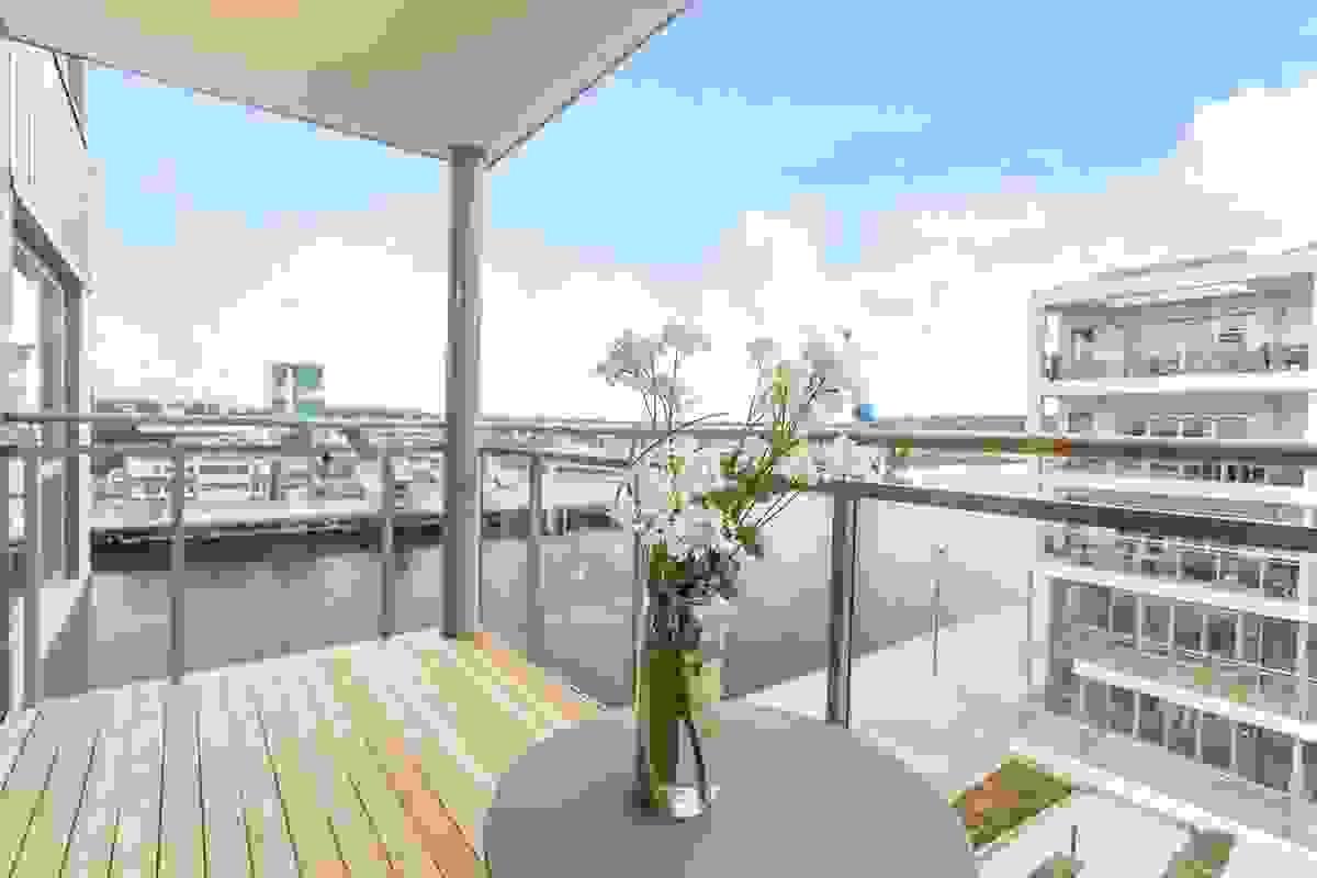 På frokostbalkongen kan du også nyte herlig kontakt med Kanalen