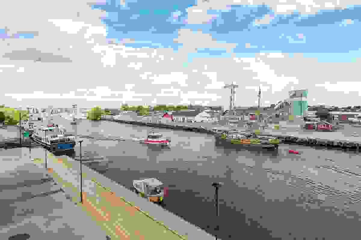 Båtlivet skaper en herlig stemning i Kanalen