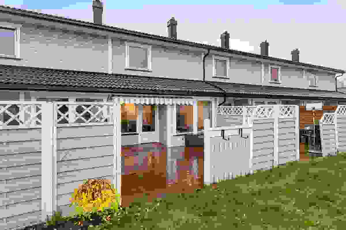 Fasade og terrasse