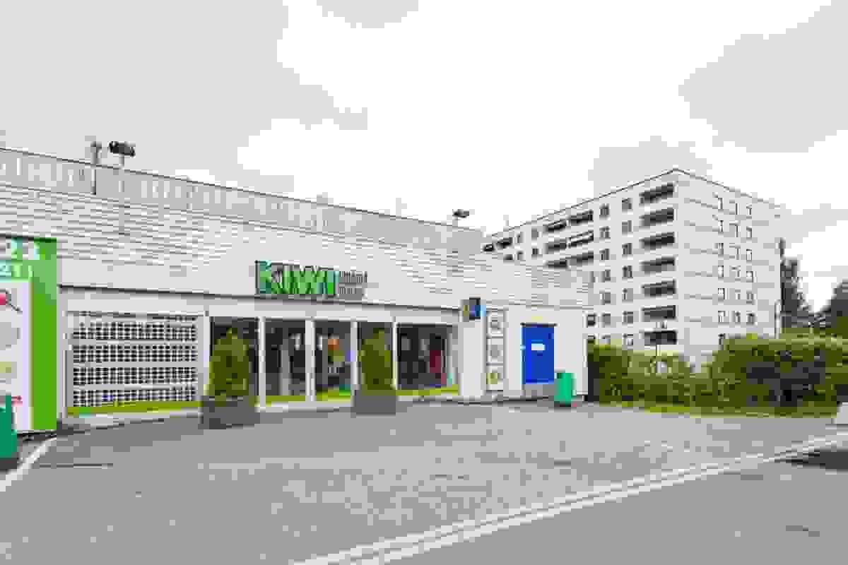 Umiddelbar nærhet til matbutikken Kiwi.