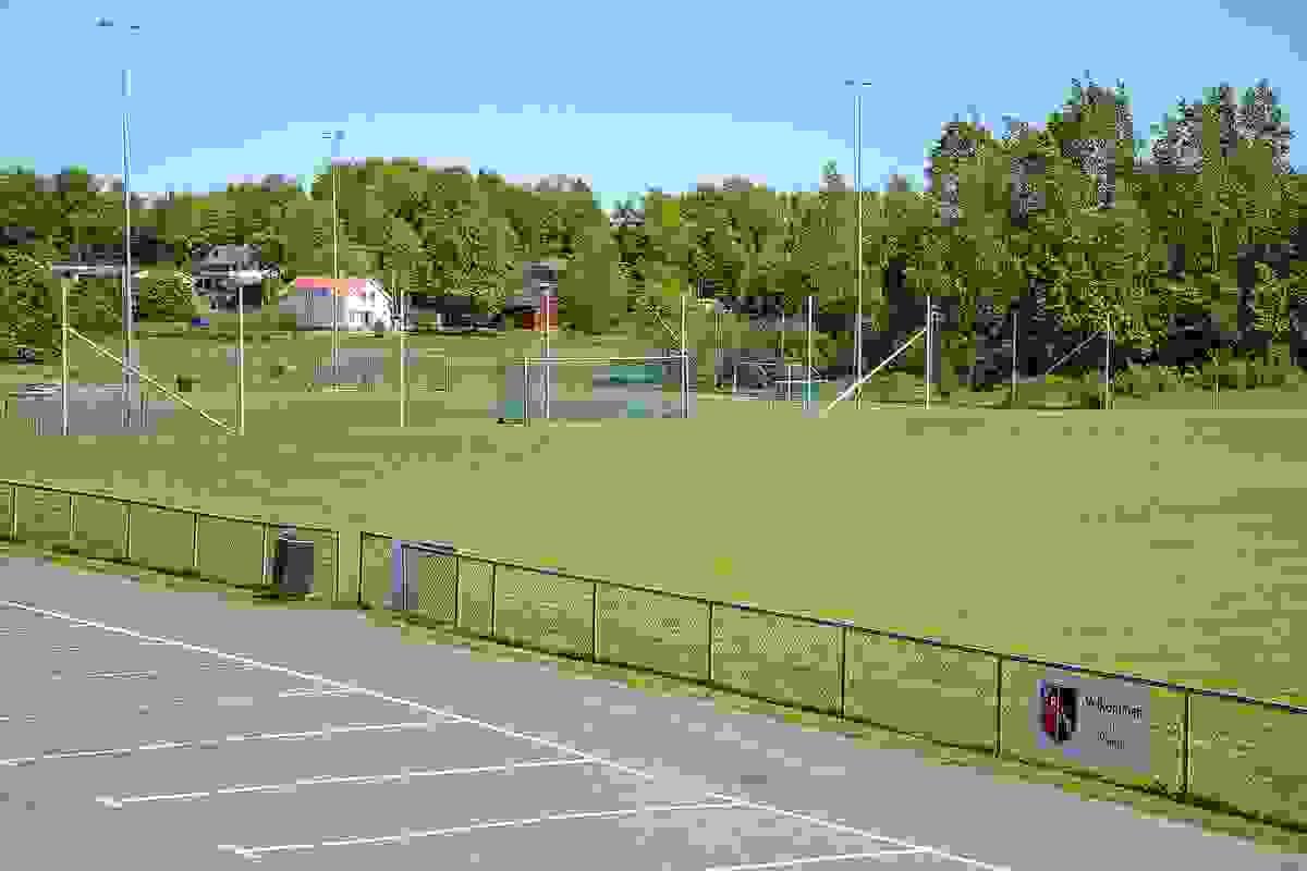 Nærområde - Fotballbane på Vear