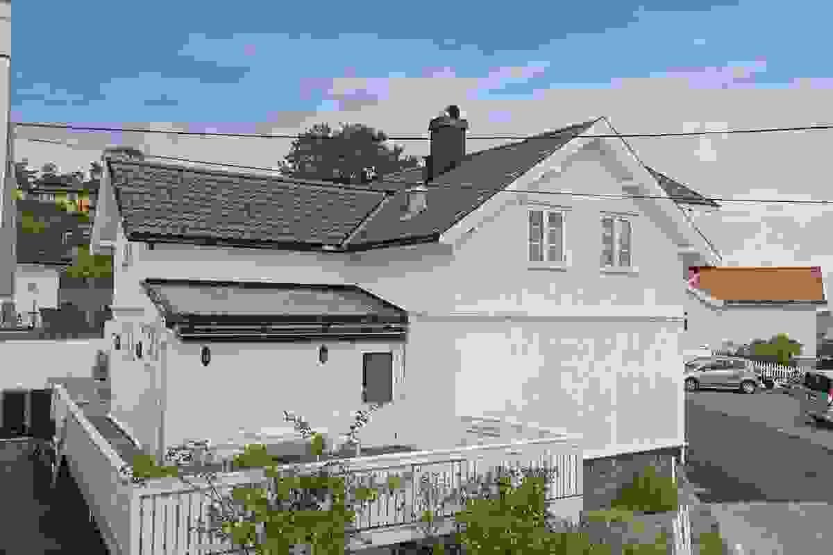 Fasade og terrasse mot syd