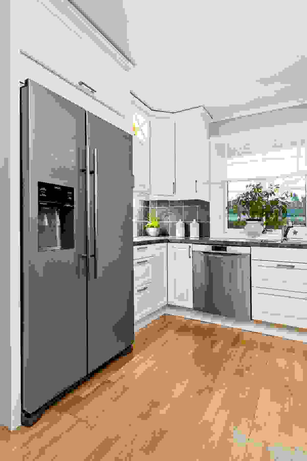 Kjøleskap med vann/is-dispenser