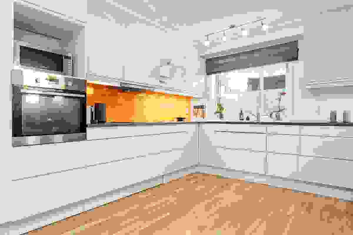 Moderne og delikat kjøkkeninnredning
