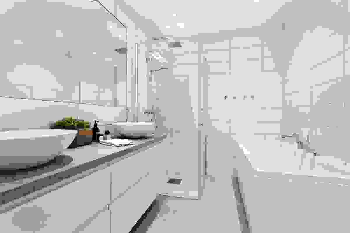 Badet er stilig, moderne og meget innbydende