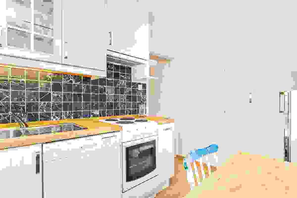 Kjøkken fra 2008 - et lyst og innbydende rom