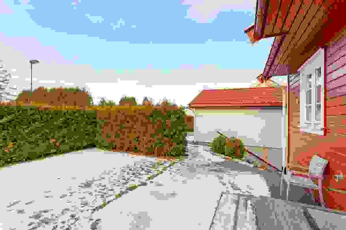 I egen hagedel mot vest kan man nyte gode solforhold og rolige omgivelser.