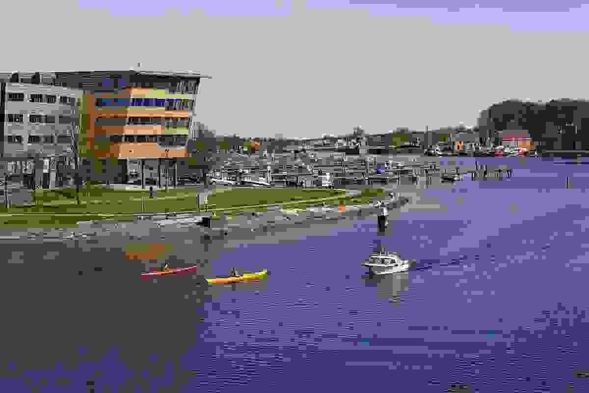 Nærområde; 2 minutter å gå til Ollebukta med småbåthavn