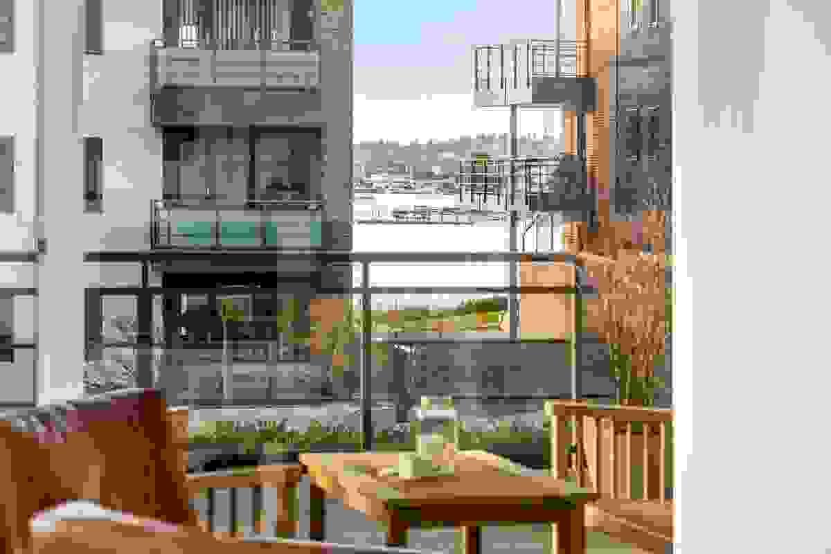 Utsikt i vest fra stue og terrasse