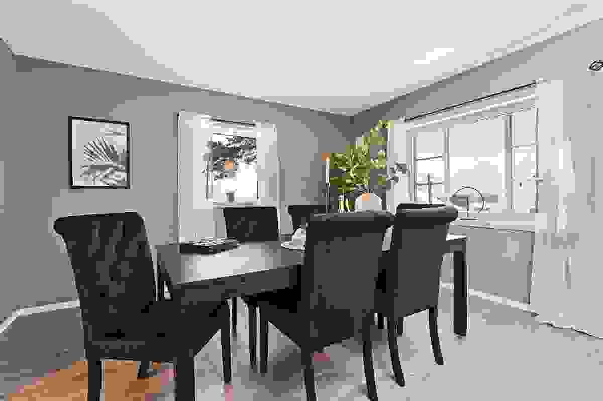 God plass til hyggelige middagsselskaper i stuen