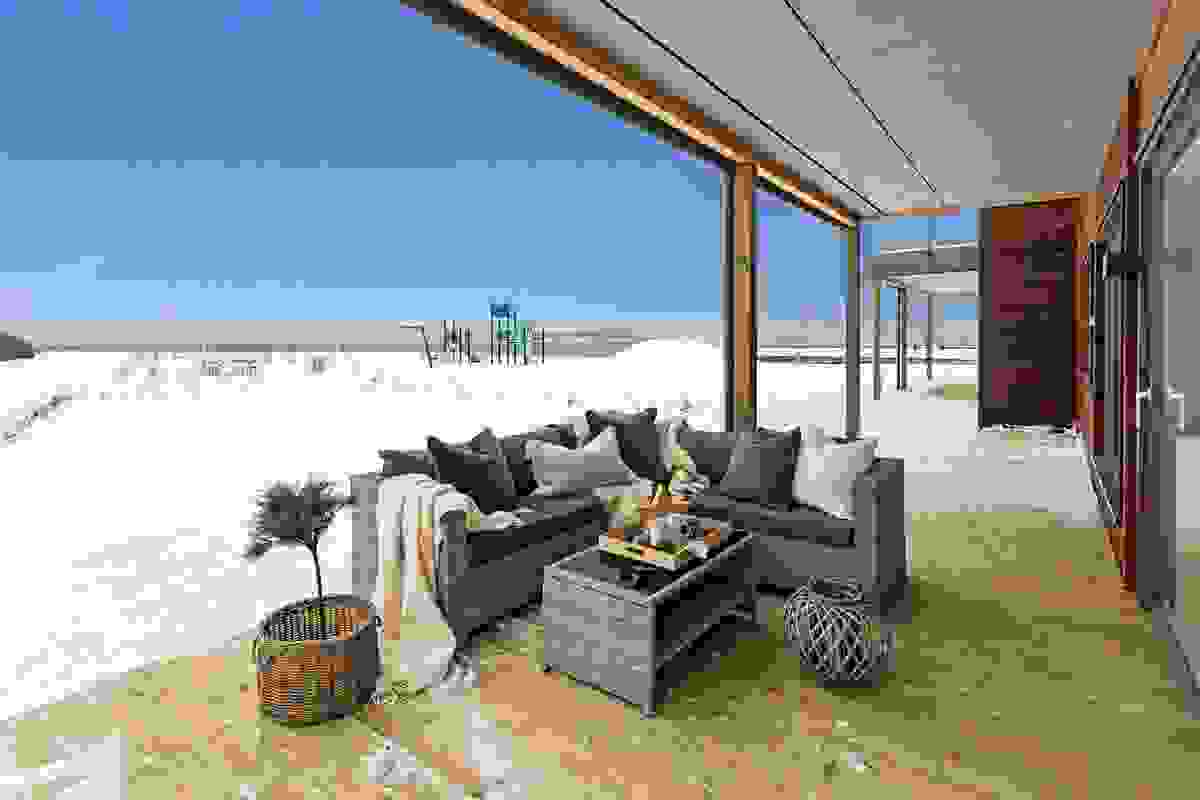 Hele 61 m² sammenhengende terrasse på to sider