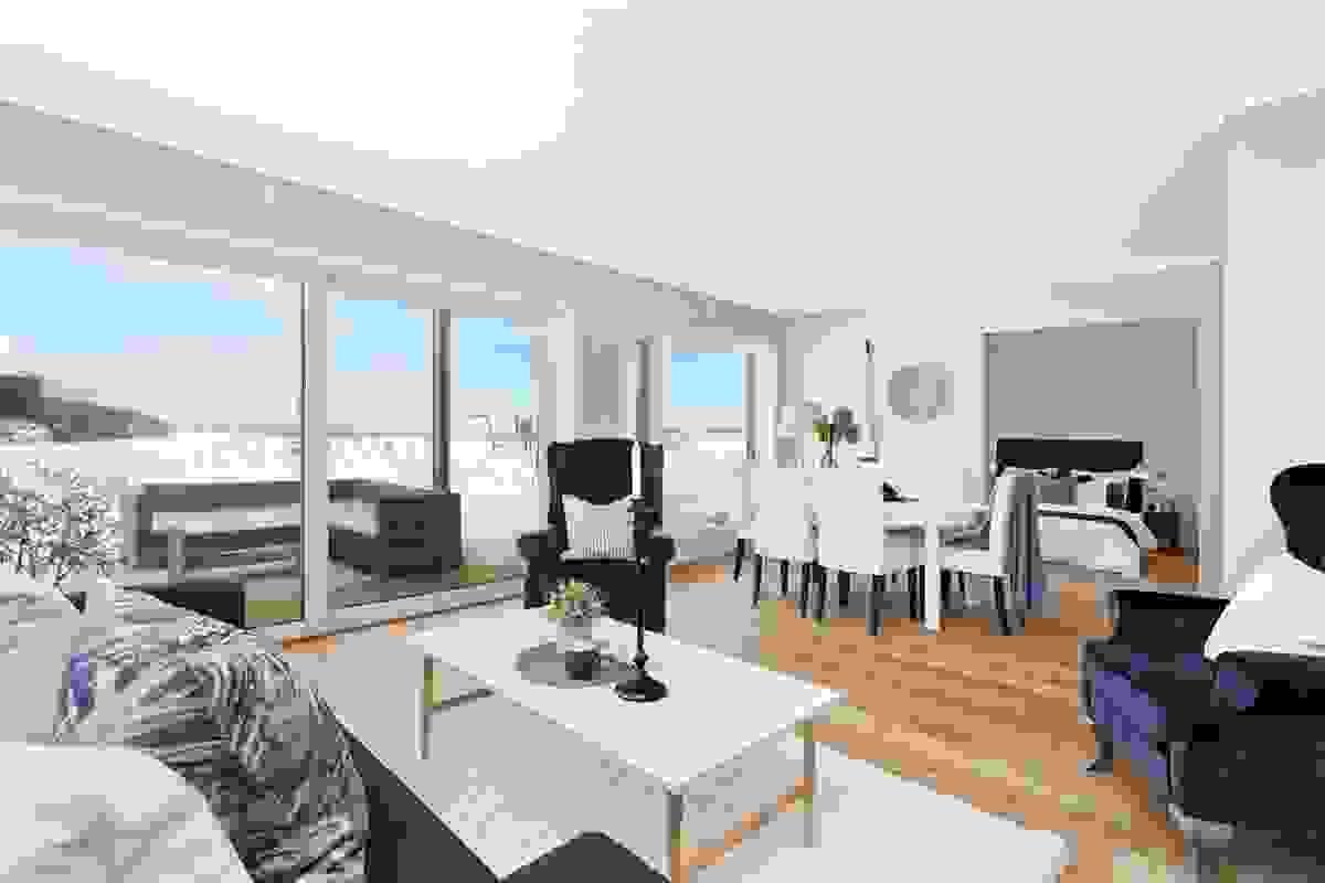 Stue-/spisestue med god plass og slående sjøutsikt