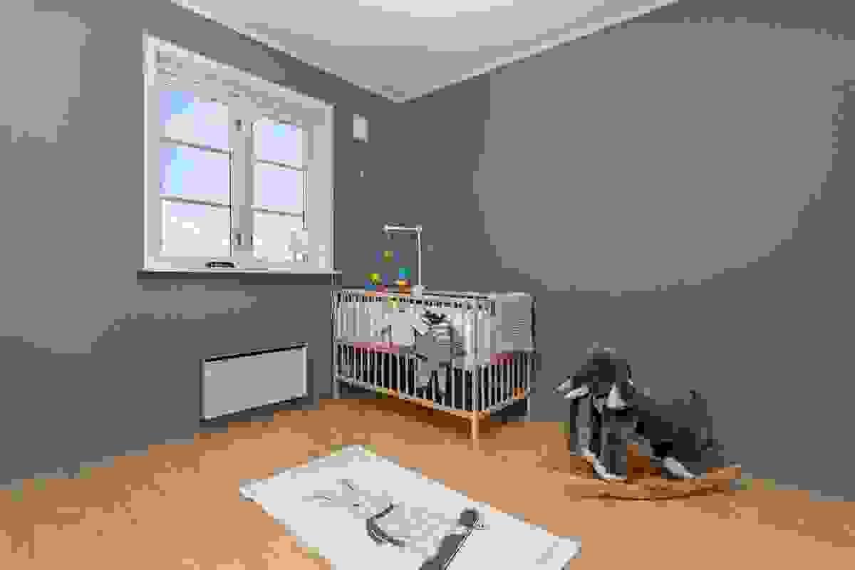 Soverom med moderne farger på vegger