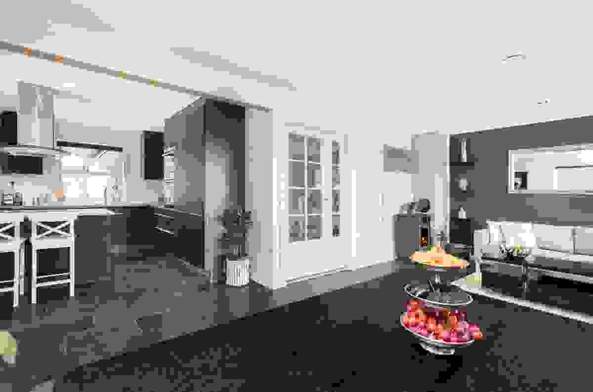 Fin kontakt mellom kjøkken og spisestue