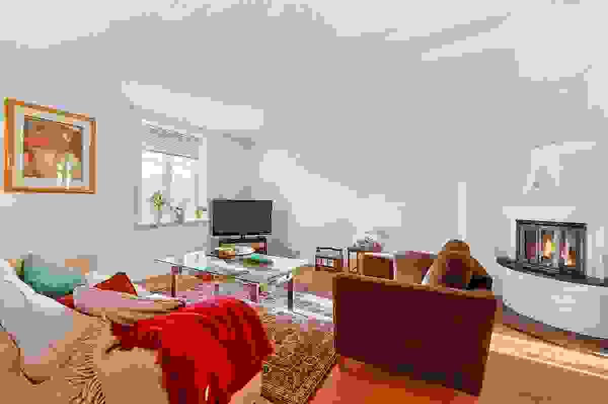 Koselig stue med peisovn