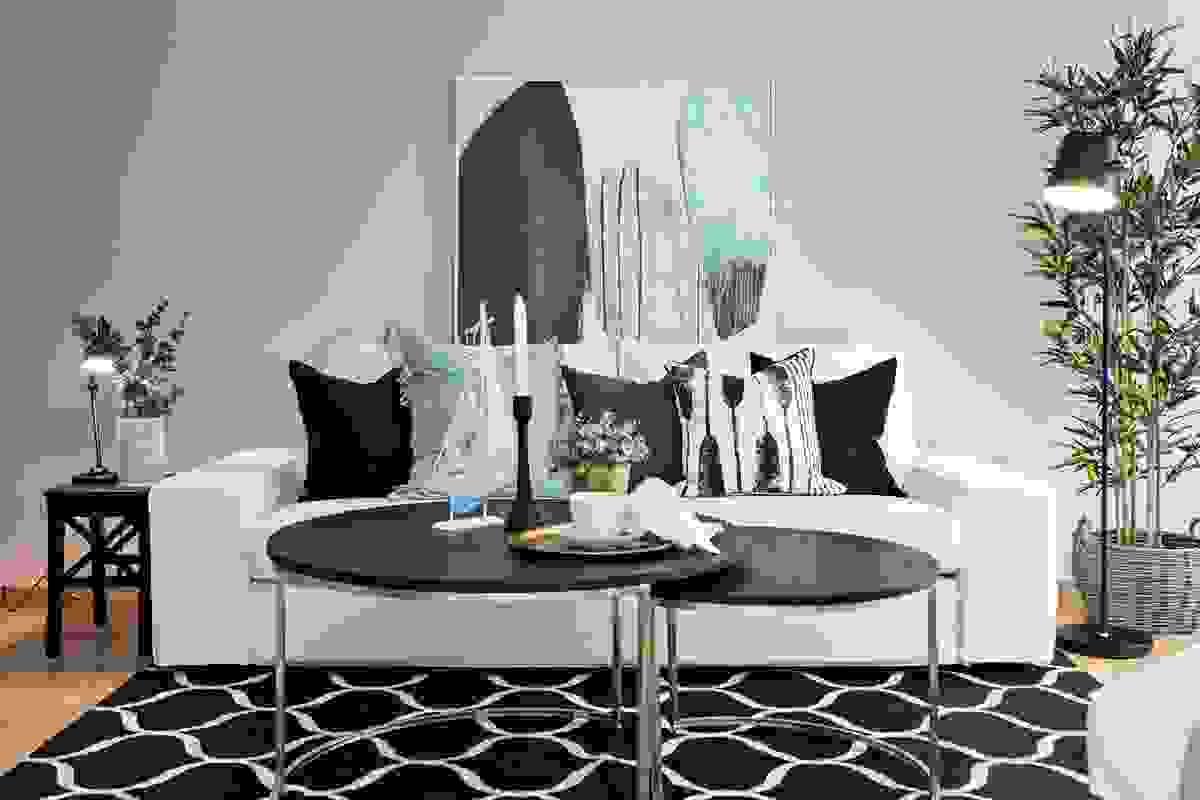 Alle innervegger i leiligheten har malte overflater med malte gipsvegger i samtlige rom
