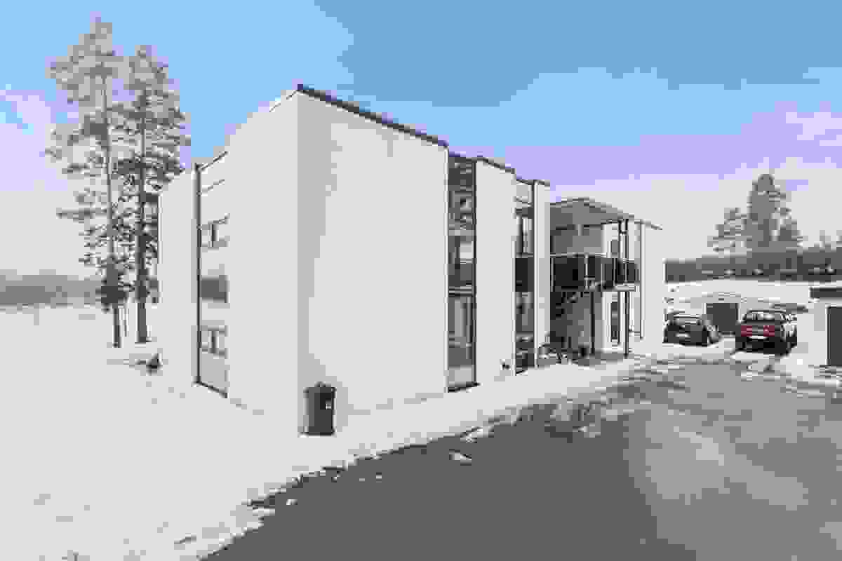 Fasade og inngangsparti