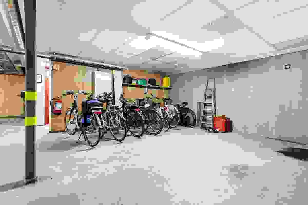 Felles, innvendig sykkelparkering