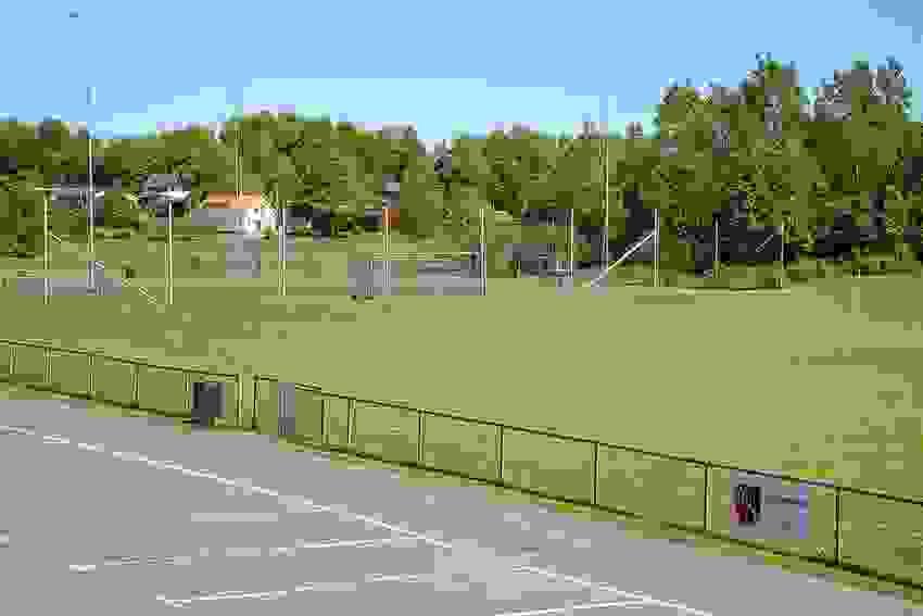 Barnevennlig område med kort vei til idrettsplass