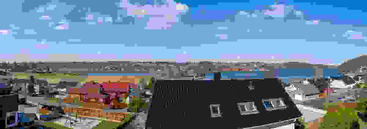 Panorama fra Hus C (sydligste boligen) - dronefoto