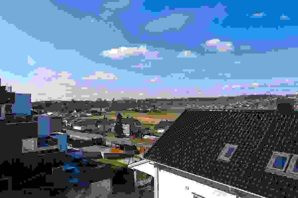 Utsyn fra Hus B (midterste boligen) - dronefoto