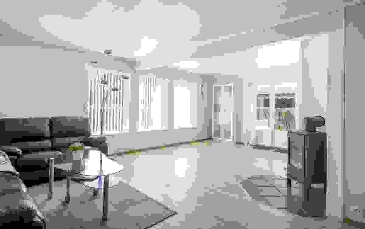Hovedstuen i 1. etasje med peisovn