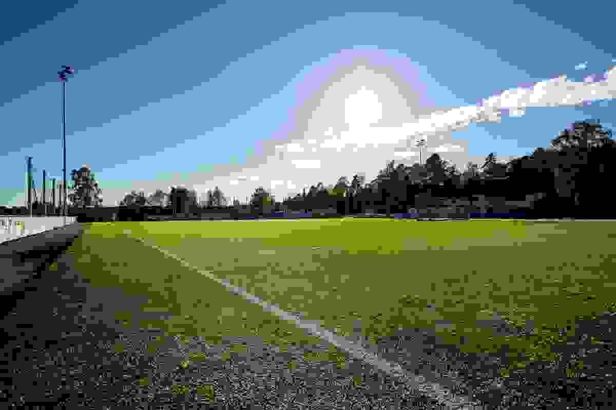 Nærområde; Idrettsplass på Eik