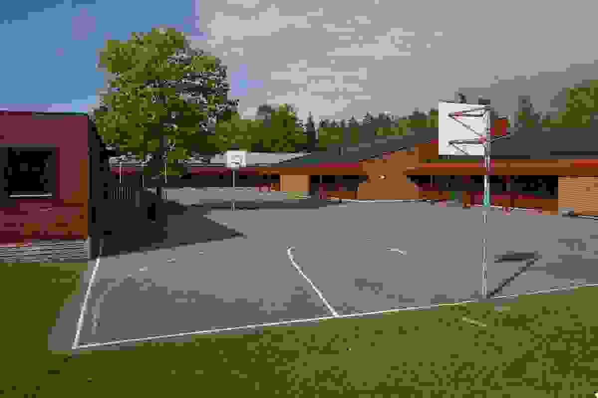 Nærområde; Kort og trygg vei til barneskole på Eik